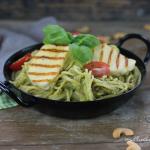 photo spaghetti with avocado-cashew pesto
