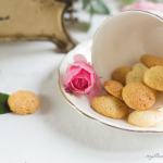 photo of amaretti with lime