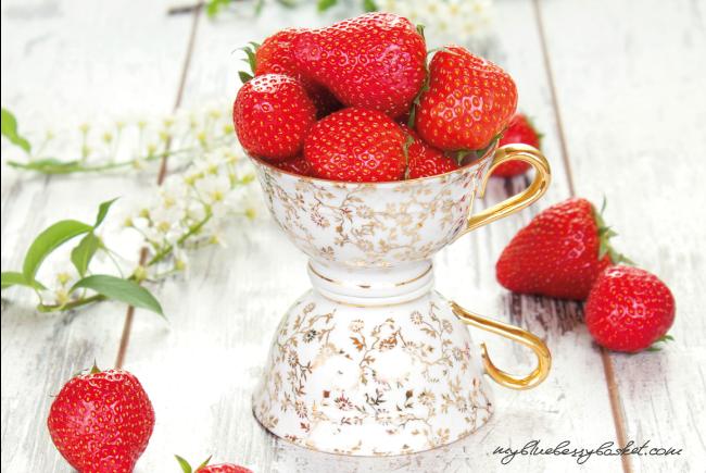 Foto von Erdbeeren in der Espressotasse