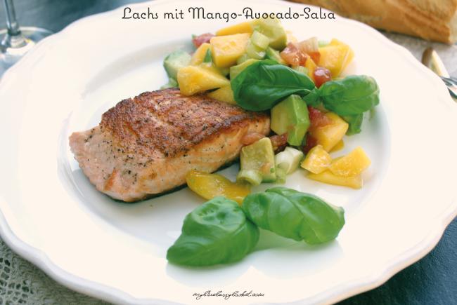 Foto von Lachsfilet mit Mango-Avocado-Salsa