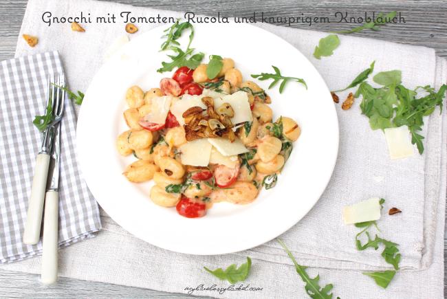 Gnocchi mit Tomaten, Rucola und Knoblauch