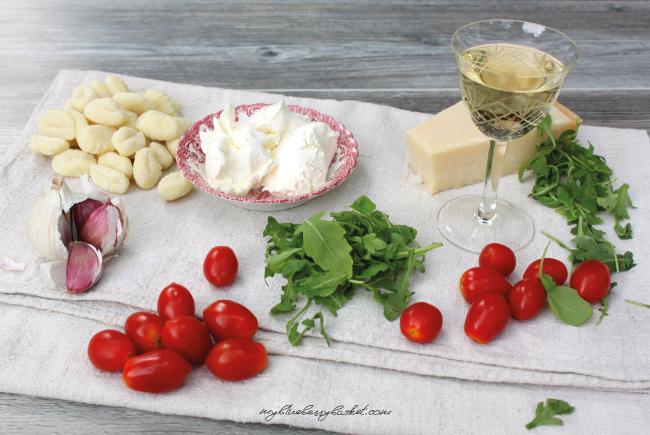 Zutaten für Gnocchi mit Tomaten und Rucola