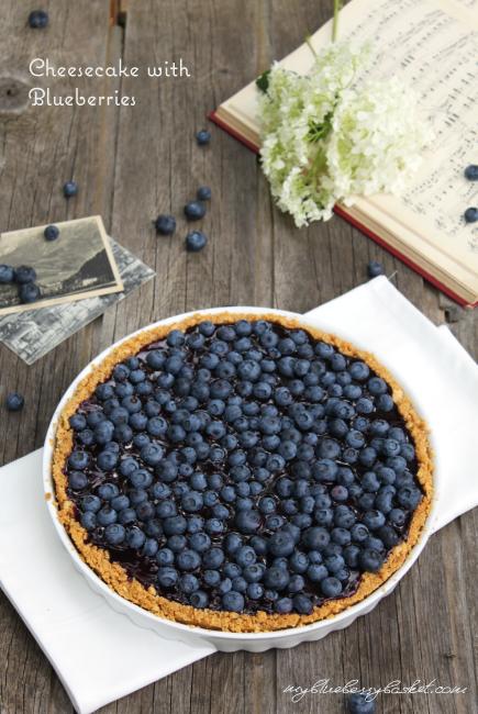 Foto von Cheesecake mit Heidelbeeren