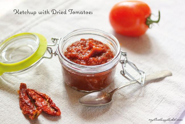 Foto Ketchup mit getrockneten Tomaten