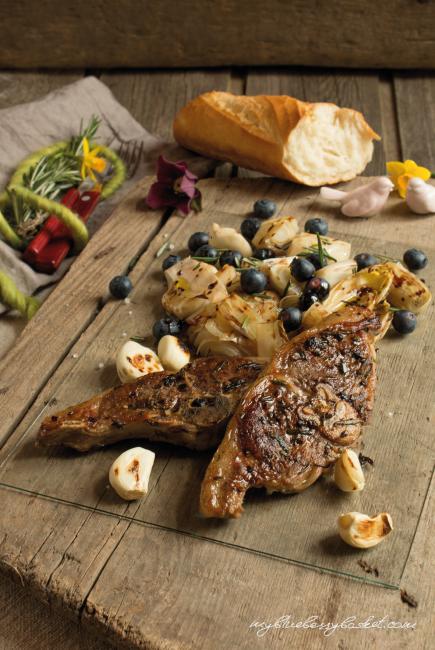 Foto Lammkotelett mit Chicorée-Salat