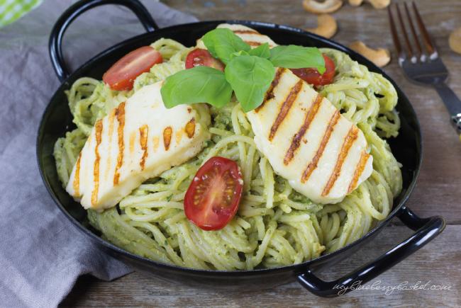 Foto Spaghetti mit Avocado-Cashew Pesto