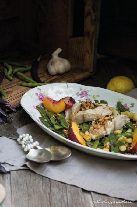 Welfilet mit Bohnen und Pfirsichen